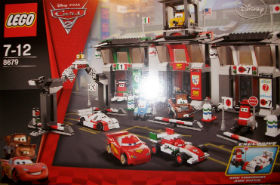 Lego Disney Cars 2 - Tokyo International Circuit